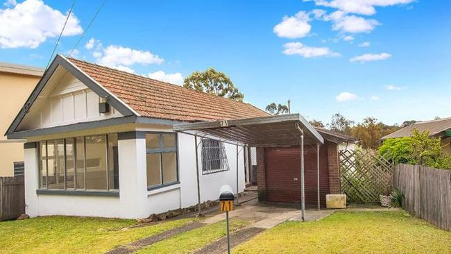 71 Riverview Rd, Earlwood. sold for $170,000 above reserve.