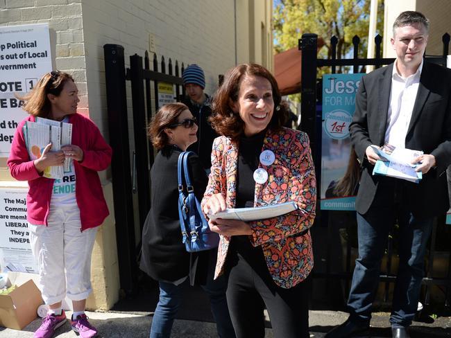 Jilly Gibson handing out voting pamphlets at Neutral Bay Public School during the North Sydney Council election. Pic: AAP Image/ Jeremy Piper