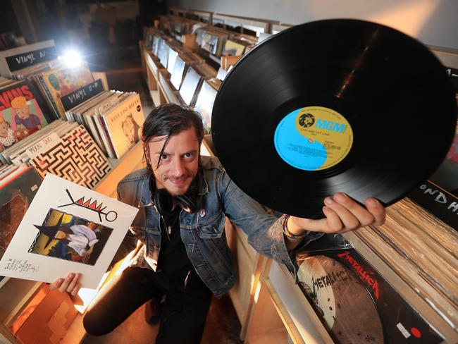 Why Vinyl Is Hot Again Sale Suggest Old Is New Again