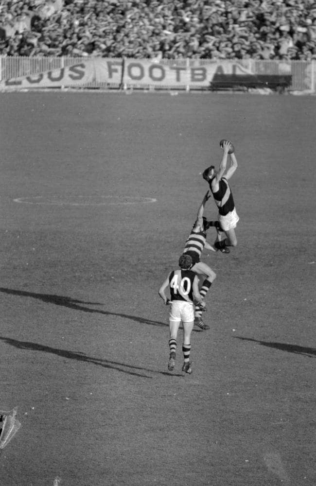Royce Hart marks in the 1967 Grand Final against Geelong.