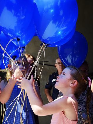 Jordan Clay releases balloons