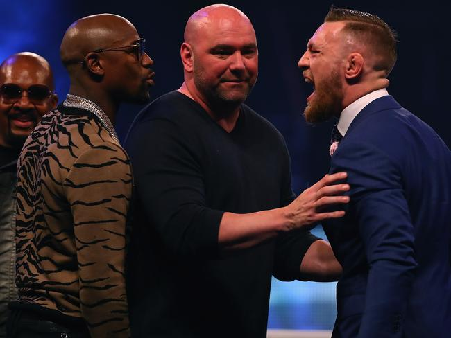 Dana White splits Floyd Mayweather Jr. and Conor McGregor apart.