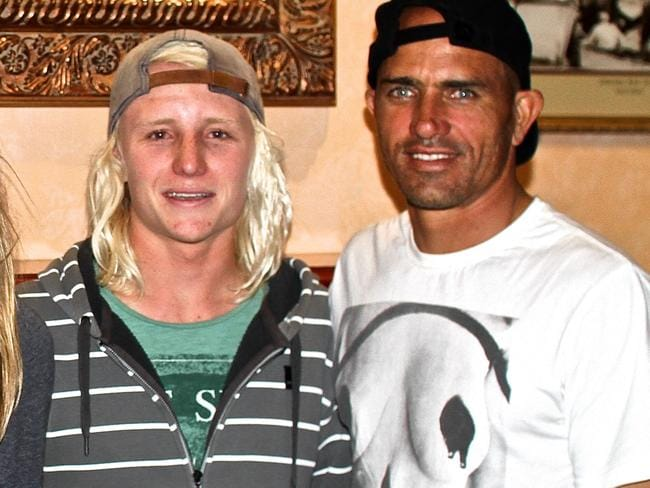Russell Bierke (L) with Kelly Slater (R).