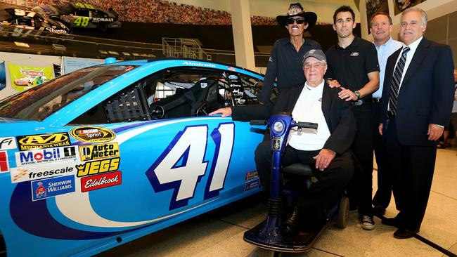 Almirola ran the No. 41 in honour of Maurice Petty at Martinsville in 2013.