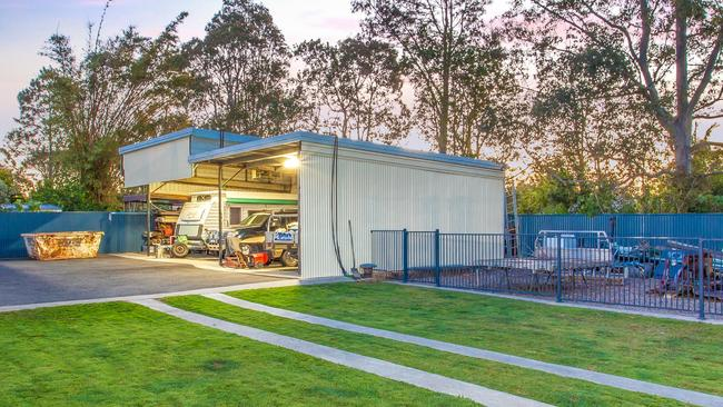 There are also carports for caravan or truck storage.