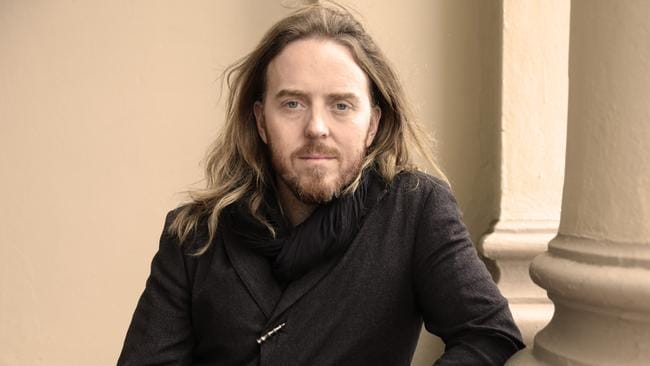 Tim Minchin has called on Cardinal George Pell to return to Australia to face the Royal Commission into Institutional Response to Child Abuse.