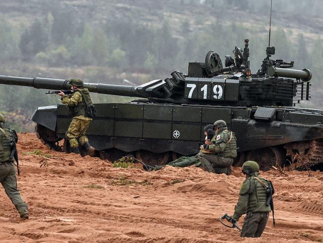 Servicemen take part in the joint Russian-Belarusian military exercises Zapad-2017 (West-2017) at the Luzhsky training ground in the Leningrad region on September 18, 2017. Picture: AFP PHOTO / Vasily MAXIMOV
