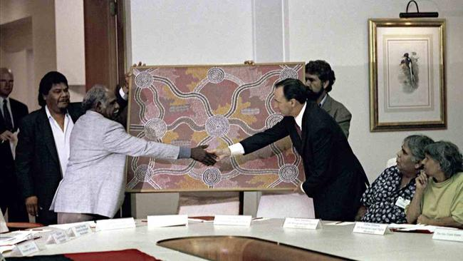 A meeting of Aboriginal representatives, ministers and Prime Minister Paul Keating, 27 April 1993. Picture: National Archives of Australia