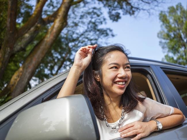 Many women find buying a car an unpleasant experience.