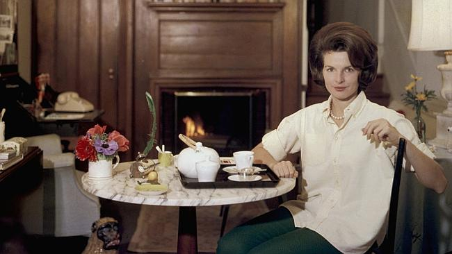 Jackie Kennedy's press secretary, Pamela Turnure in her Washington apartment, 1960. Picture: Getty Images