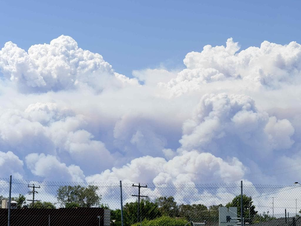 A view of the fire from the Murray Leisure Centre in Pinjarra. Picture: Matthew Poon