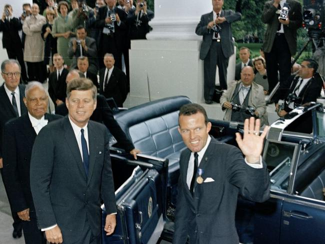 Gordon Cooper with US president JFK after receiving the Distinguished Service Medal.
