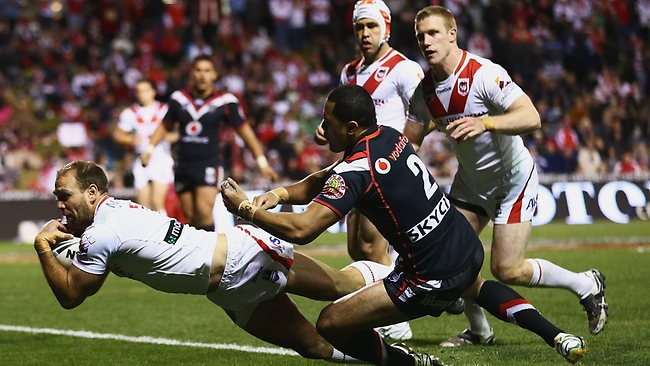 ason Nightingale of the Dragons dives over to score a try during the round 25 NRL match between the St George Dragons and the New Zealand Warriors at WIN Stadium. Picture: Getty Images