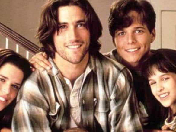 Neve Campbell, Matthew Fox, Scott Wolf and Lacey Chabert in Party of Five.
