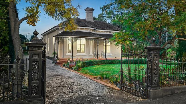 49 Lisson Grove, Hawthorn is also among 2017's top auction sales.
