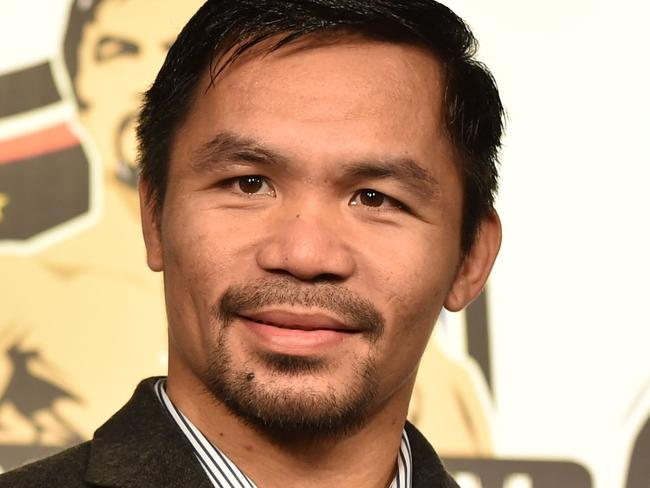 Manny brushes Horn for superfight