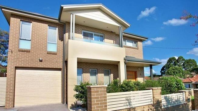 1 Bijiji Street, Pendle Hill sold for $$960,000, $110,000 over reserve.
