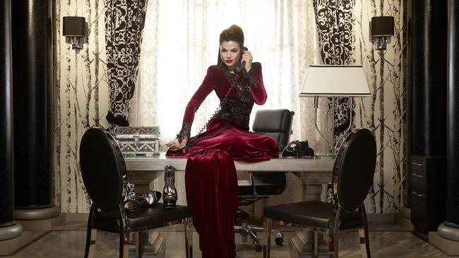 Embarrassed (not embarrassed) ... 7Two's Once Upon a Time, starring Lana Parrilla as Evil Queen/Regina.