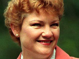 Pauline Hanson pic/Wager Aug 23 1998 - at the Ipswich markets - headshot alone 35/CC/6737