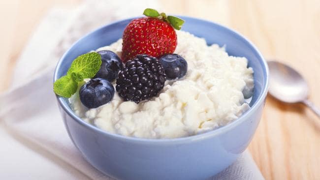 Cottage cheese with berries is a great alternative to dessert.