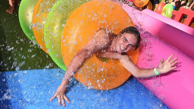 Melburnians trying their hardest to keep cool. Picture: Rob Leeson
