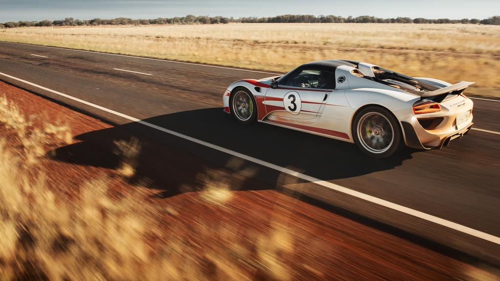 porsche 918 hybrid sports car does 350km h on australian. Black Bedroom Furniture Sets. Home Design Ideas