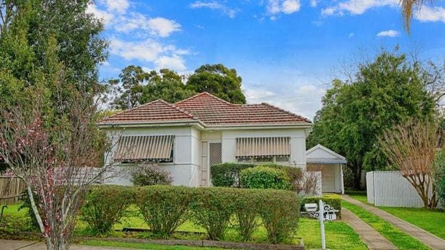Buyers Haggle Up To Off Home Prices In Sydney S West Daily Telegraph