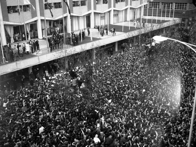 Huge crowds of screaming teenage fans greeted the Beatles at the Southern Cross Hotel dur