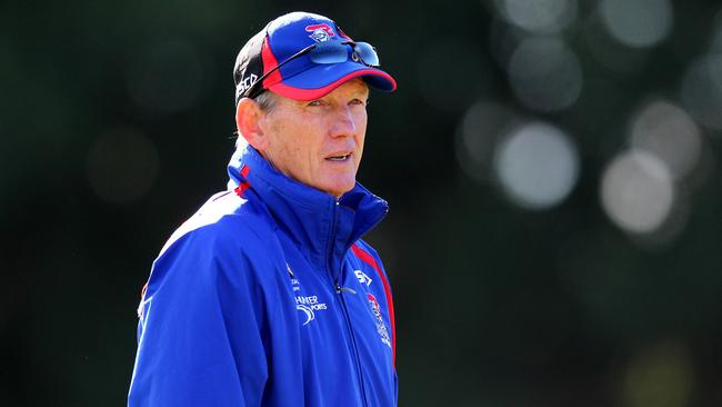 Wayne Bennett says the players are paying the price for bad advice.