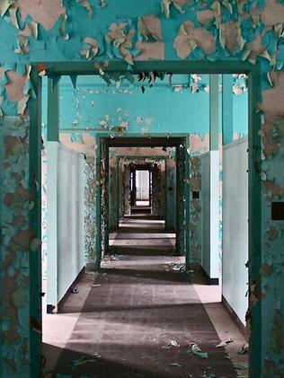 Halls in a New York asylum. Photo: Julia Wertz.