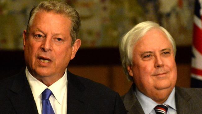Al Gore and Clive Palmer at Parliament House talking about their climate plans.