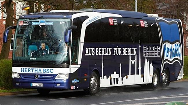 german club s bus shot at on way to game. Black Bedroom Furniture Sets. Home Design Ideas