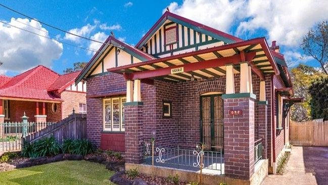 1 Francis Street, Epping sold for $1.325 million, $75,000 over reserve.
