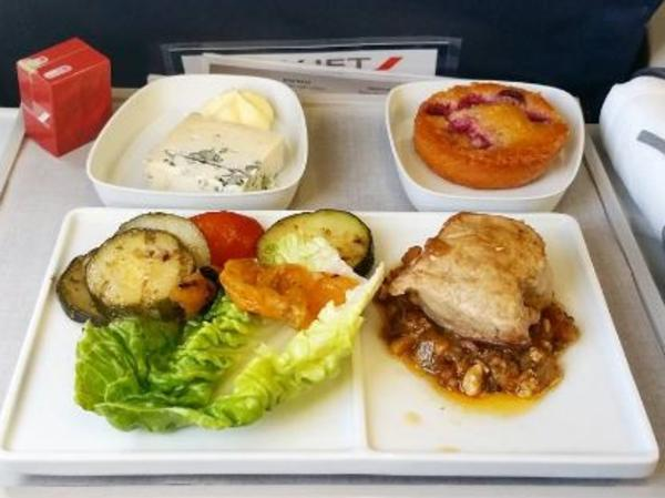 Why you should order curries on flights