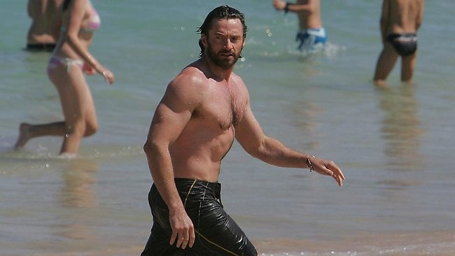 Hugh Jackman has told the story of how he lost his son Oscar at Bronte Beach, only to be helped out by the paparazzi who found him up a tree.