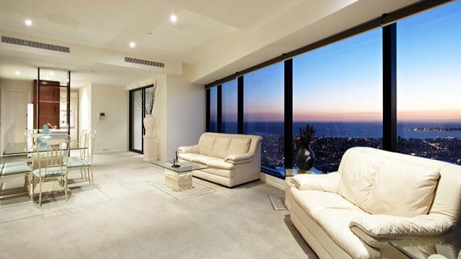 6908/7, Riverside Quay. A bay view from the city's doorstep is on offer for less than $2 million in this apartment