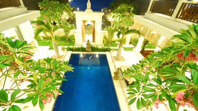 The plunge pool in the presidential suite.