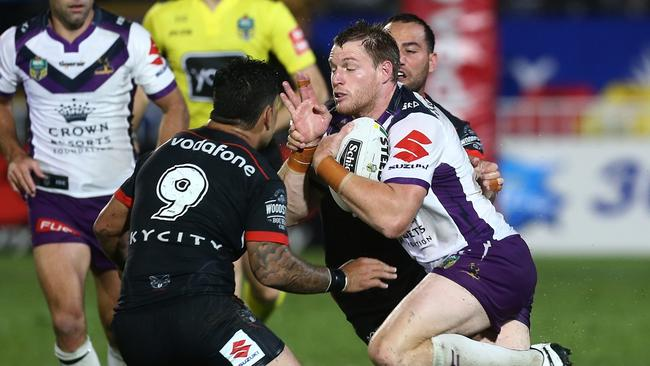 Tim Glasby on the charge for the Storm against the Warriors.