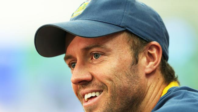 Ab de villiers elbow injury australia v south africa for Villiers 86