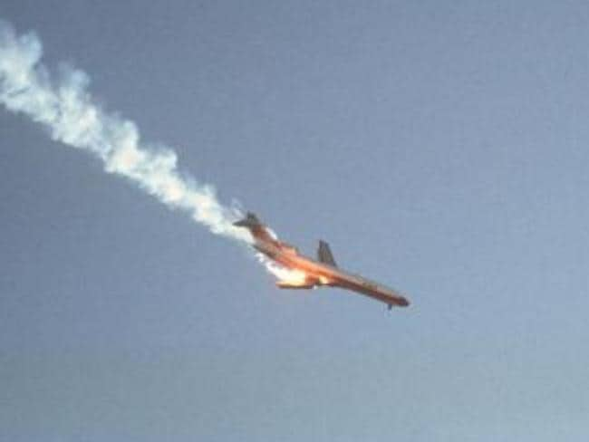 The crashing Pacific Southwest Airlines flight 182, captured by photographer Hans Wendt in 1978. Picture: Wikimedia Commons/Hans Wendt
