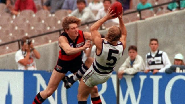 Gary Ablett out marks another great No.5 James Hird.