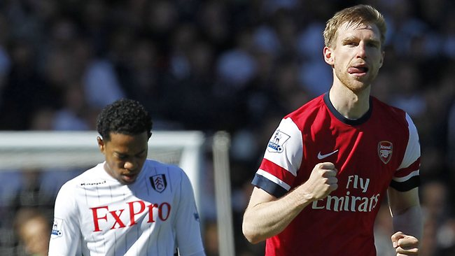 Per Mertesacker scores for Arsenal