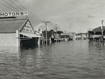 The River Murray in flood at Mannum in 1956. Picture: State Library of SA