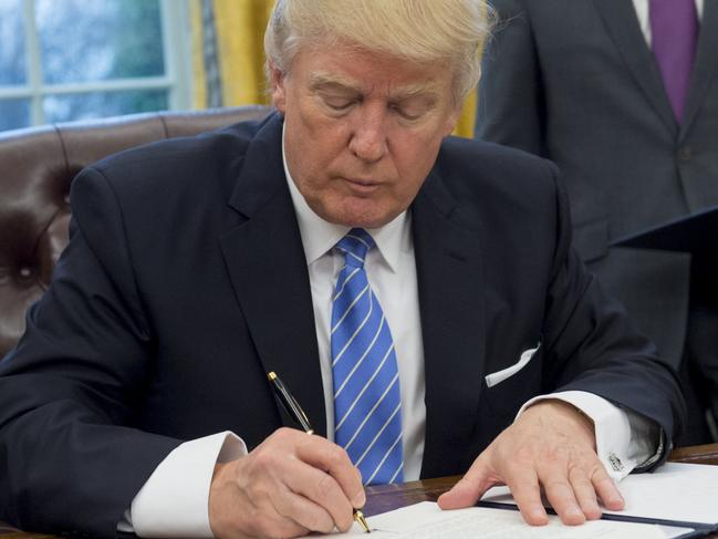 Trump kills deal with Australia