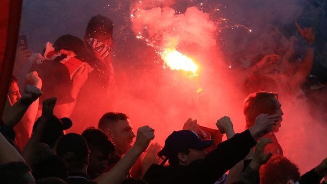 western sydney wanderers flares up - photo#15