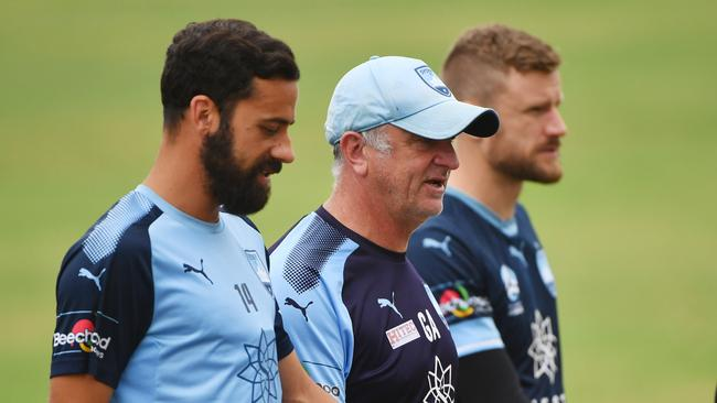 Graham Arnold with Sydney FC captain Alex Brosque.
