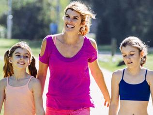 **ONE TIME USE ONLY. SUNDAY HERALD SUN . EMBARGOED SEPTEMBER 24. Lizzy Williamson and daughters for new book Two Minute Moves