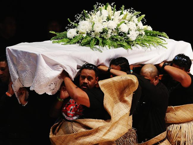 Thousands gather for Pacific farewell for Lomu