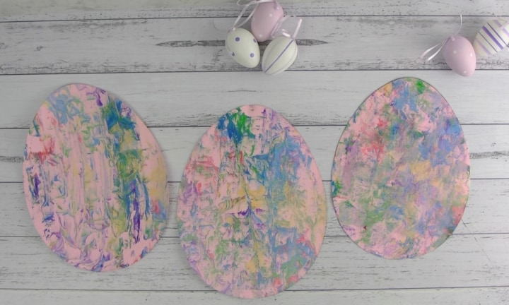 How to make marbled paper Easter eggs