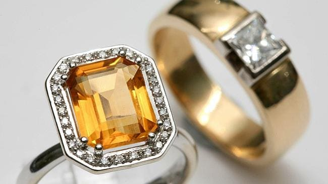 Rings can be slipped into a pocket with the minimum of fuss.